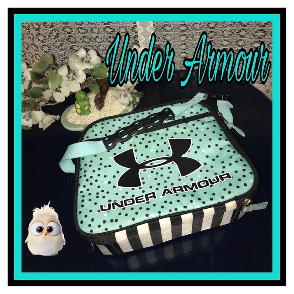 64daa1675e Under Armour Women s or Girls Lunch Box. M 5a9928dab7f72b4e7511c0bf